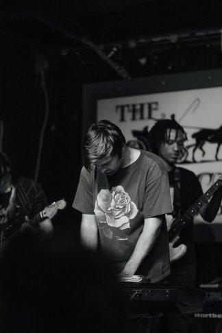 Adjy + Thrift House Live Review   The Vinyl Warhol